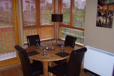 Erne River Lodges Indoors - Kitchen Table